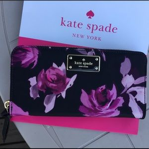 NWT 🌸 Kate Spade Wallet 🦄